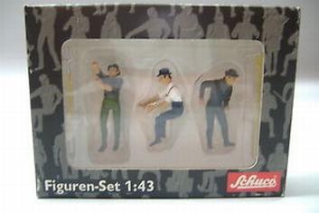 Figurenset + toebehoren 1 figuur zittend 2 figuren staand  1/43