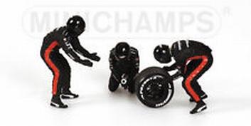 Pit crew figuren Minardi Rear tyre change set 2003 Figuur  1/18
