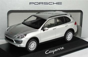 Porsche Cayenne Silver  Zilver  1/43