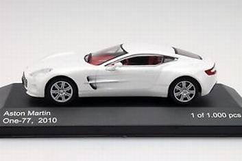 Aston Martin one - 77 2010 White Wit  1/43