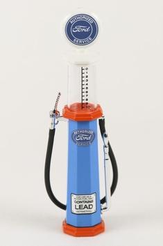 Benzinepomp Ford Gas pump  met meetglas  1/18