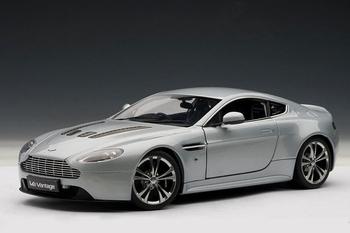 Aston Martin V12 Vintage 2010 Zilver  Silver  1/18