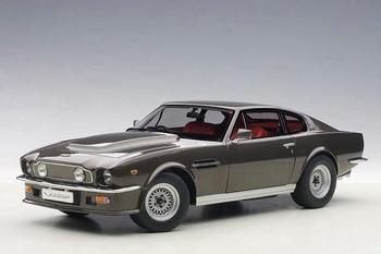 Aston Martin V8 Vantage 1985 Grijs cumberland Grey  1/18