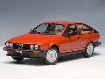 Alfa Romeo Alfetta GTV 2,0 1980 Rood  Red  1/18