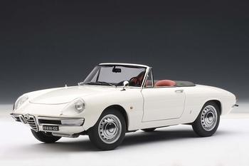Alfa Romeo Duetto spider Wit White Cabrio   1/18