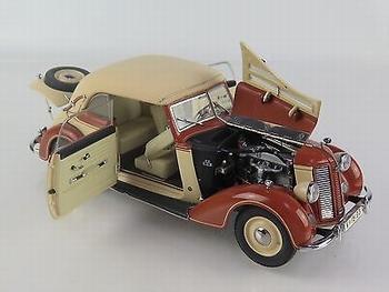 Audi  920 Cabrio 1938-1940 Bruin Brown Cabrio soft top  1/24