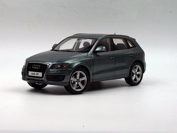Audi Q 5   Grijs  Quarz Grey  1/18
