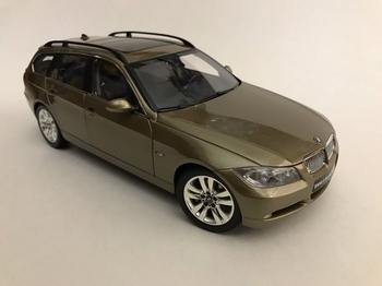 BMW 330 I Touring Grijs Grey   1/18