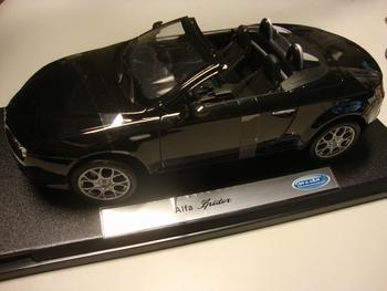 Alfa Romeo Spider Cabrio Zwart  Black   1/18