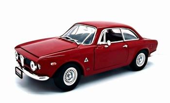 Alfa Romeo Guilia Rood  Red   1/18