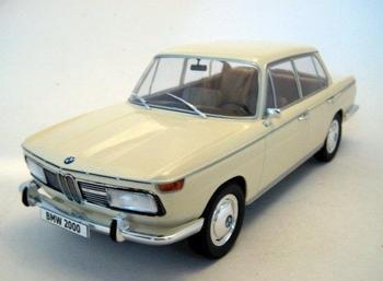 BMW 2000 Ti Typ 120 Beige   1/18