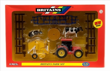 Britains Farm set   1/32