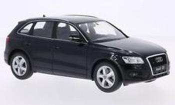 Audi Q5 zwart  black  1/24