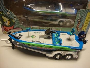 Aanhangwagen met vissers boot Trailer with Boat  1/43