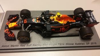 Aston Martin Red Bull Racing  TAG-HEUER RB14 Max Verstappen  1/43