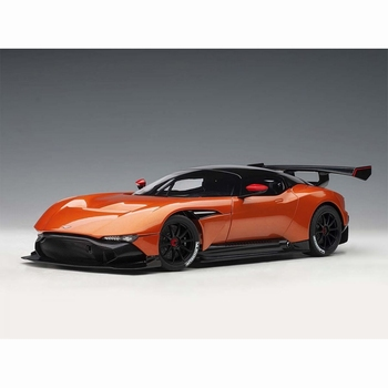 Aston Martin Vulcan 2015 Oranje Madagascar Orange  1/18