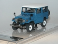 Toyota Land Cruiser 40 series  Blauw Blue  1/43