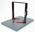 Two post lift werk brug zwart  + rode steunen black-red 1/18
