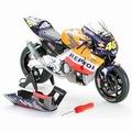 Honda RC211V Valentino Rossi Moto GP 2002  1/12