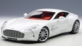 Aston Martin ONE -77 wit mornig frost white 1/18