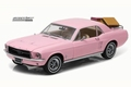Ford Mustang 1967 Rose + accessoires  1/18