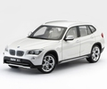 BMW X1  xDrive 28i Wit mineral White  1/18