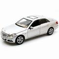 Mercedes Benz E Class Zilver silver 1/18
