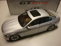 BMW 5  serie Zilver  Silver 1/18