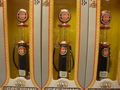 Benzine pomp - naft pomp Studebaker met meetglas 1/18