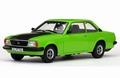 Opel Ascona B SR Groen Green + zwarte koffer - Black bonnet 1/18