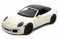 Porsche 911 Carrera GTS Cabriolet Wit White + soft top 1/18