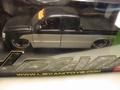 Chevrolet Silverado pick uo truck low rider Zwart/zilver 1/24