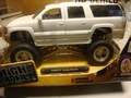 Chevrolet Chevy Suburban Wit  White High Profile 1/24