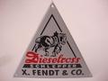 Fendt Dieselross Schlepper H 15,6 x B18 cm Emaille