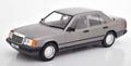 Mercedes - Benz W124 1984 metallic grijs 300 D 1/18