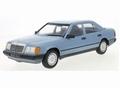 Mercedes Benz  300E W124  licht blauw 1984 1/18