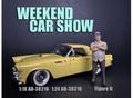 Weekend car show II Man met licht blauwe pet 1/18