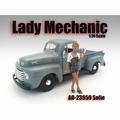 Lady mechanic Sofie 1/24