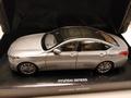 Hyundai Genesis 2014  Zilver - Silver 1/18