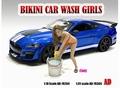 Bikini Car wash girl Cindy + emmer + bucket 1/18