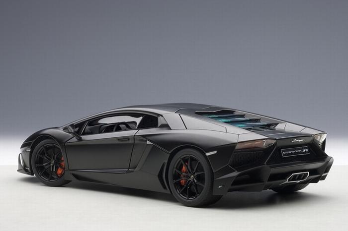 Lamborghini Aventador Lp720 4 Zwart Black Nero Nemisi Matt 1 18